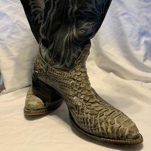 Tony Lama Mens Grey snake skin boots size 7 1/2 D